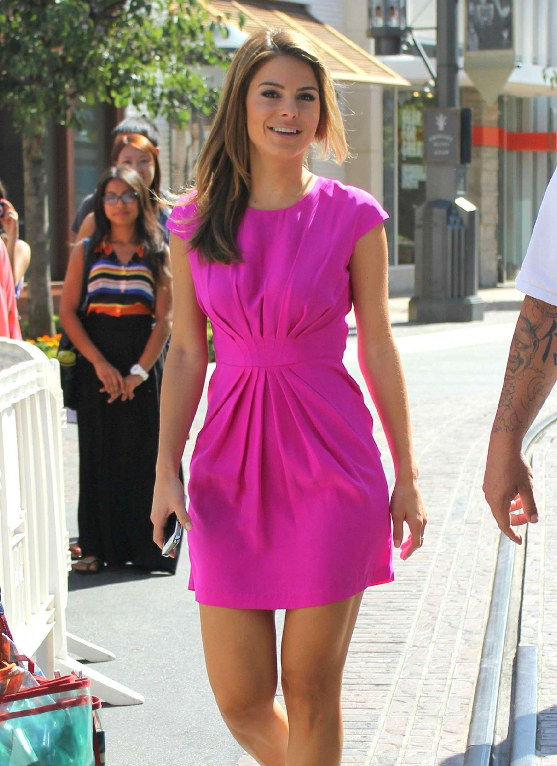 Maria Menounos Legs In Short Dress 06 Full Size