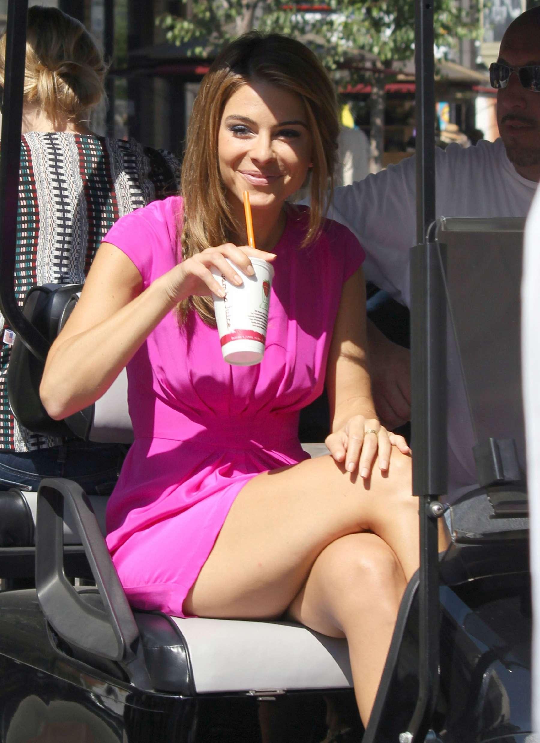 Maria Menounos Legs In Short Dress 10