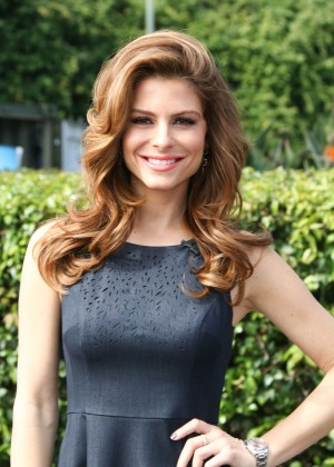 Maria Menounos on Extra Set in LA -01