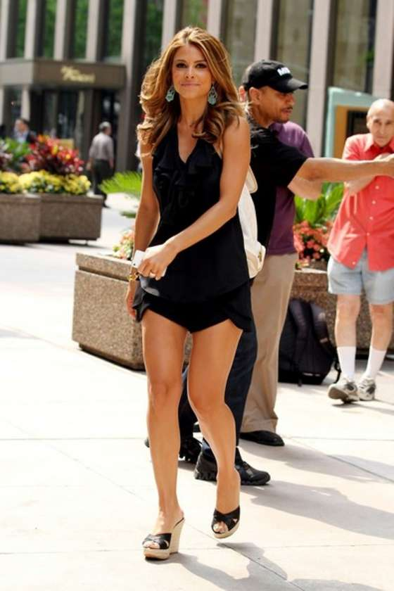 Maria Menounos hot in a black dress at Sirius Satellite Radio studios