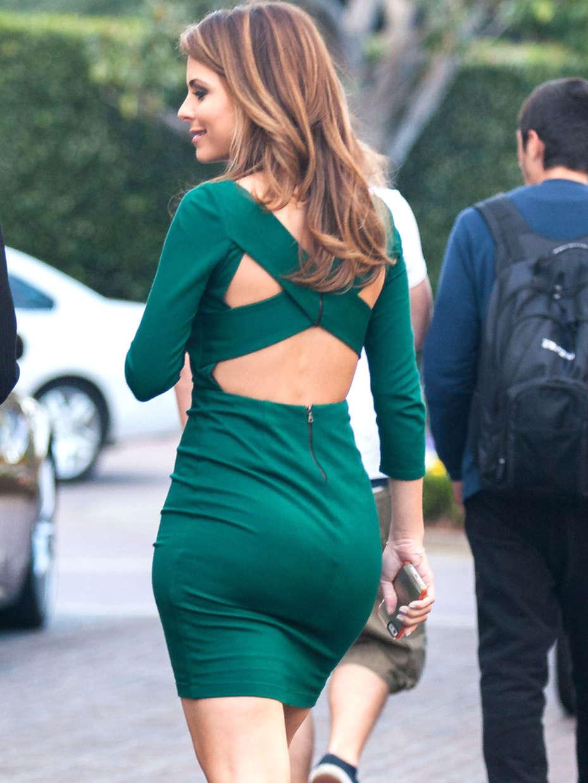 Maria Menounos In Green Dress on set of Extra -03 - GotCeleb
