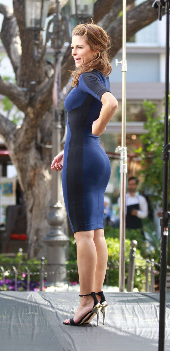 Maria Menounos - set at The Grove in Los Angeles -03