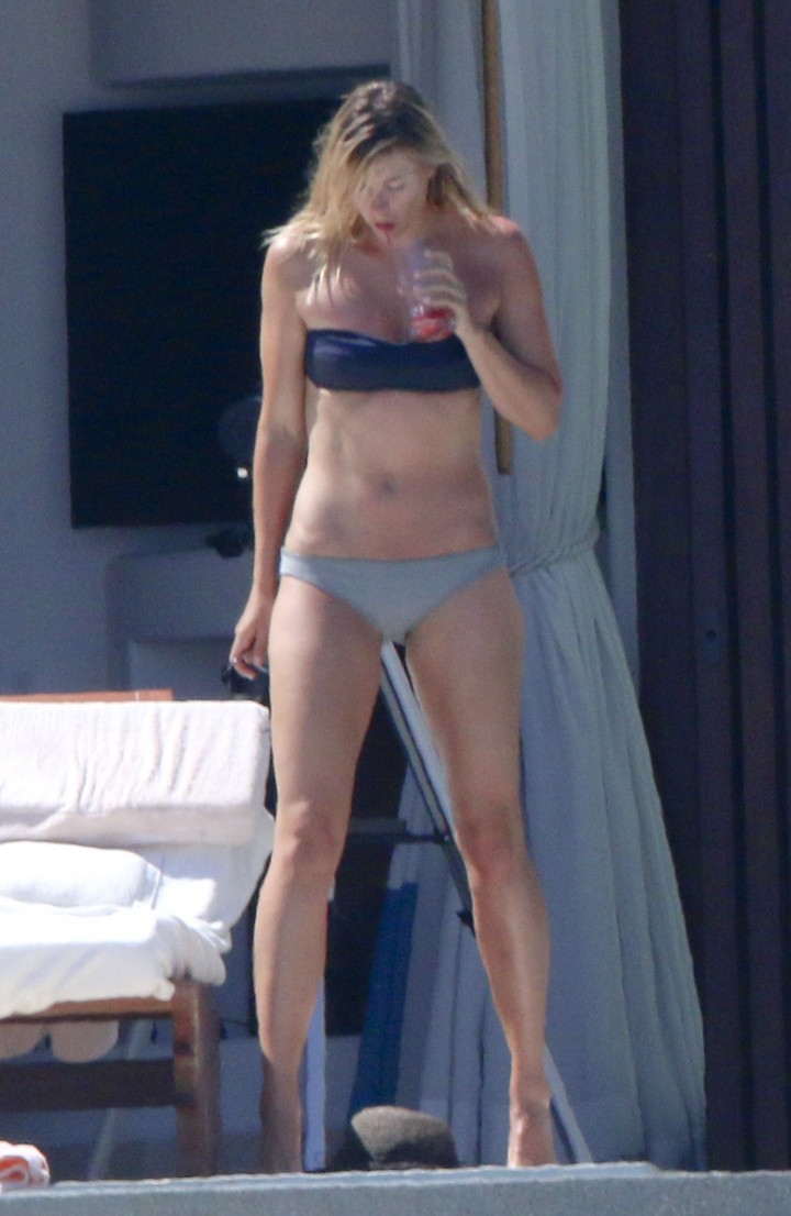 Maria Sharapova Bikini Photos: in Cabo 2014 -04