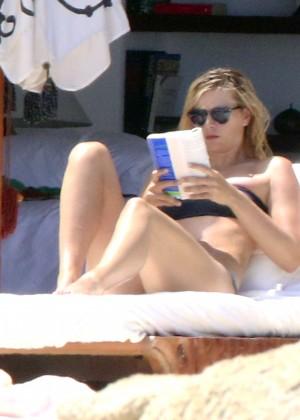 Maria Sharapova Bikini Photos: in Cabo 2014 -08