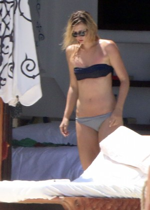 Maria Sharapova Bikini Photos: in Cabo 2014 -09