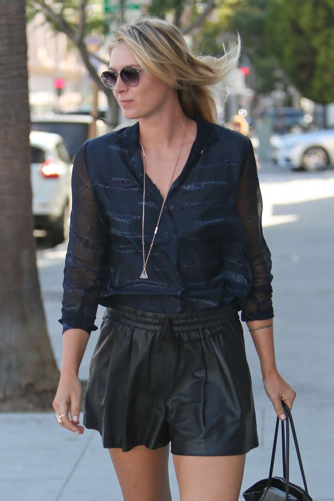 Maria Sharapova – Shopping on Rodeo Drive in Beverly Hills
