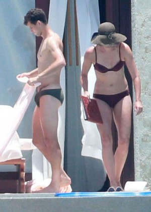 Maria Sharapova bikini 2014 in Cabo-01