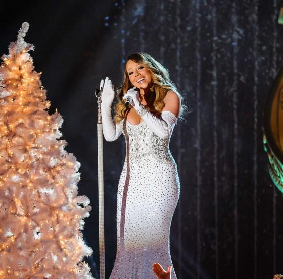 Rockefeller Center Christmas Tree 2013: Mariah Carey: 2013 Rockefeller Center Christmas Tree