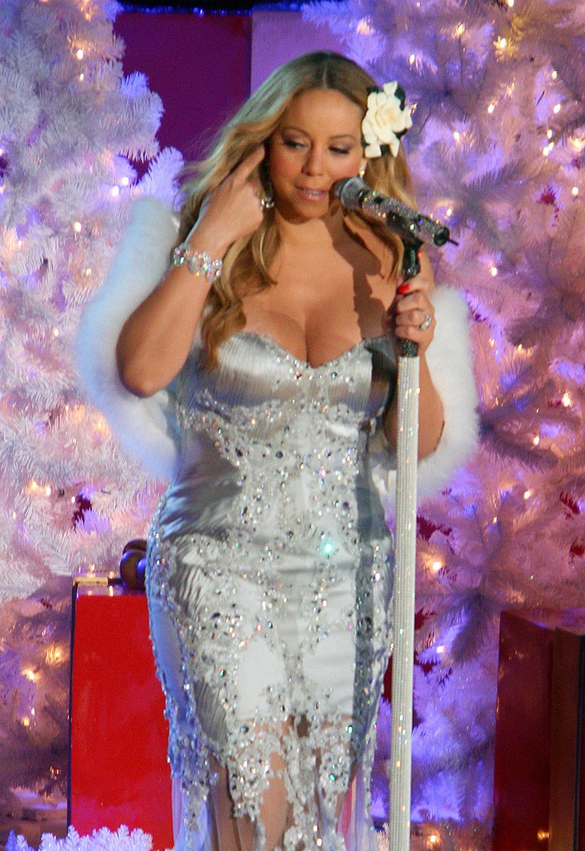 Mariah Carey at Rockefeller Center -13 – GotCeleb