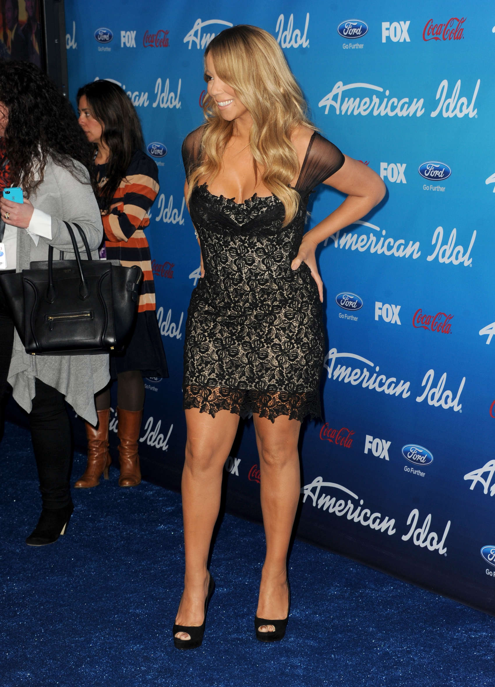 Mariah-Carey-at-the-American-Idol-finalists-event-2013-at-The-Grove--26.jpg