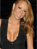 mariah-carey-leggy-and-cleavage-candids-at-mr-chow-2008-06