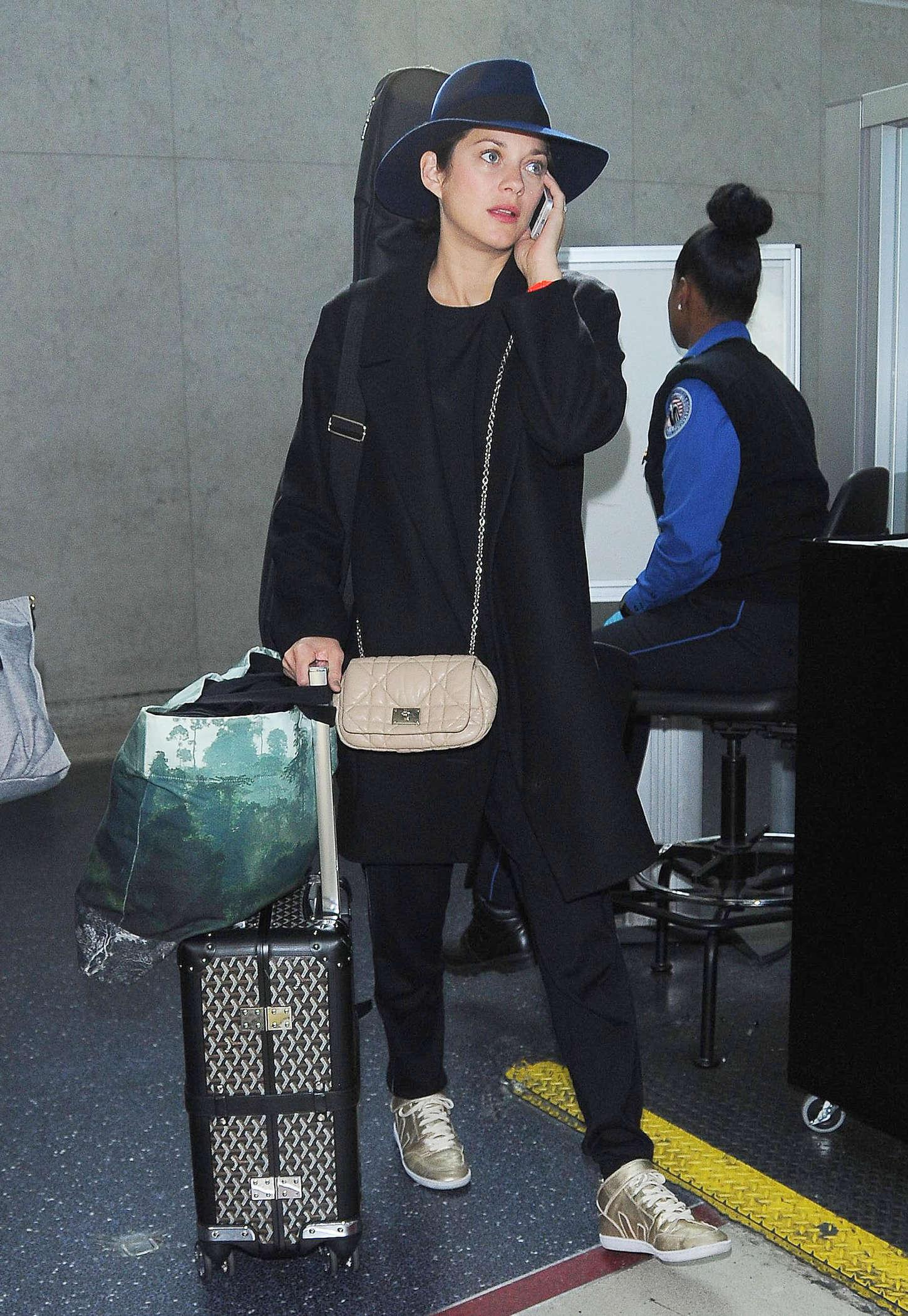 Marion Cotillard 2014 : Marion Cotillard at LAX -11