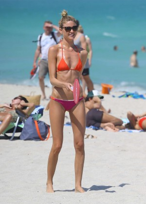 Martha Hunt Hot Bikini Photos: 2014 in Miami -12