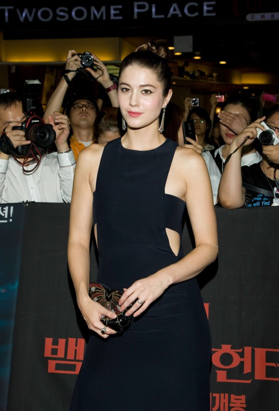 Mary Elizabeth Winstead in long black dress at Abraham Lincoln Vampire Hunter Premiere in South Korea
