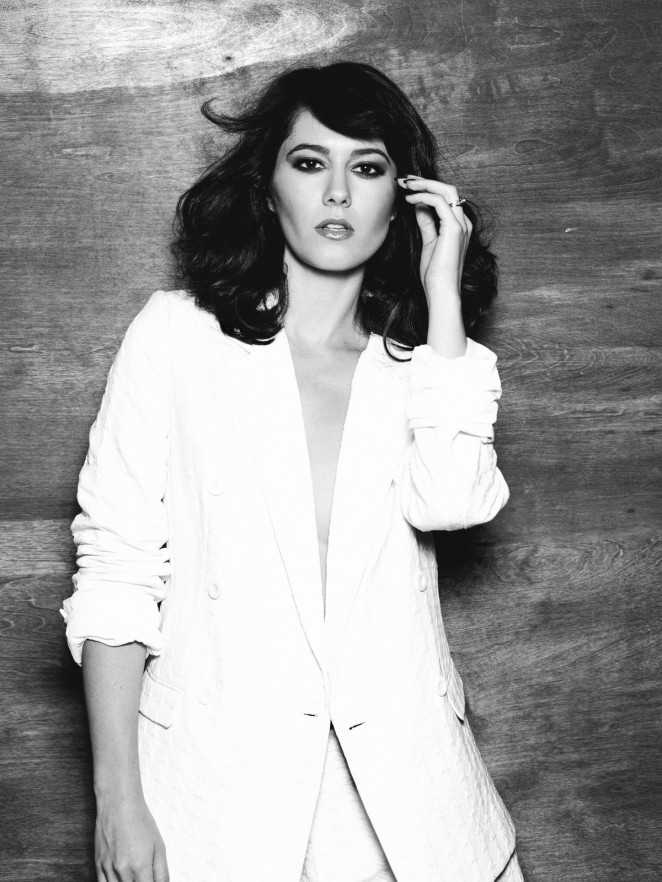 Mary Elizabeth Winstead - Institute Magazine (September 2014)