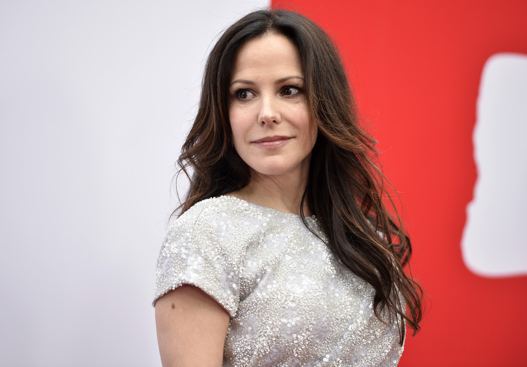 Back to post Mary Louise Parker        RED 2    premiere in LAMary Louise Parker Red 2
