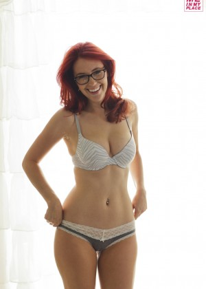 Meg Turney in Me in My Place - Esquire 2014 -01
