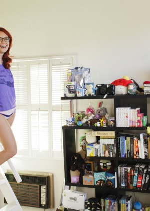 Meg Turney in Me in My Place - Esquire 2014 -09