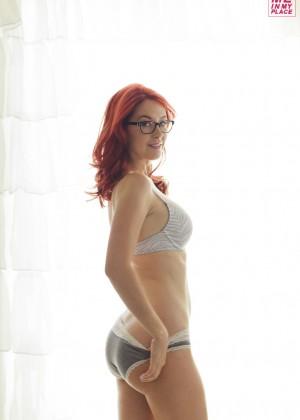 Meg Turney in Me in My Place - Esquire 2014 -18