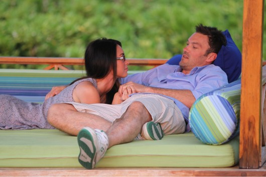 megan-fox-and-brian-austin-green-in-hawaii-candids-12