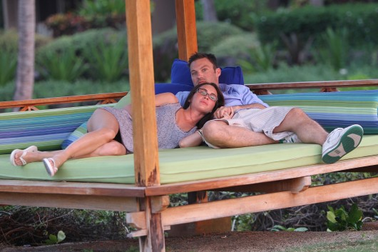 megan-fox-and-brian-austin-green-in-hawaii-candids-16