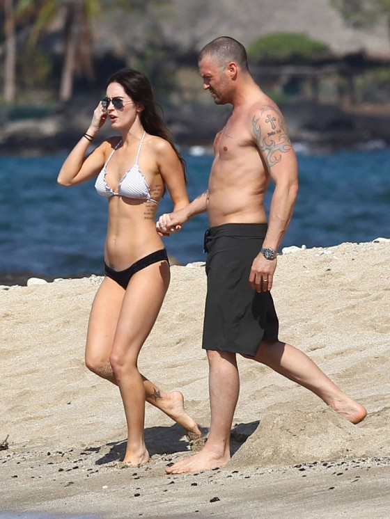 megan-fox-bikini-candids-in-hawaii-adds-02