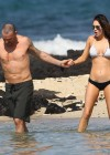 megan-fox-bikini-candids-in-hawaii-adds-04
