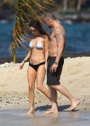 megan-fox-bikini-candids-in-hawaii-adds-09