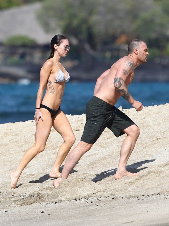 megan-fox-bikini-candids-in-hawaii-adds-11