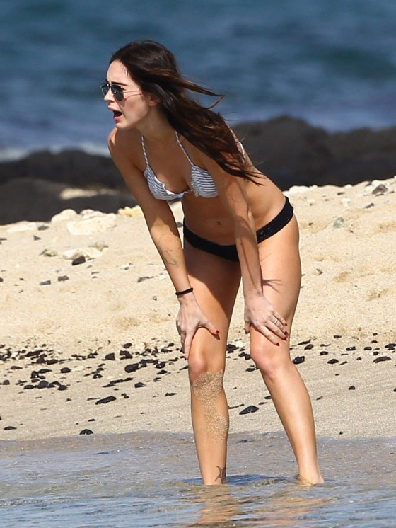 megan-fox-bikini-candids-in-hawaii-adds-12