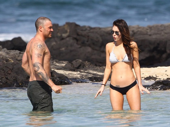 megan-fox-bikini-candids-in-hawaii-adds-17