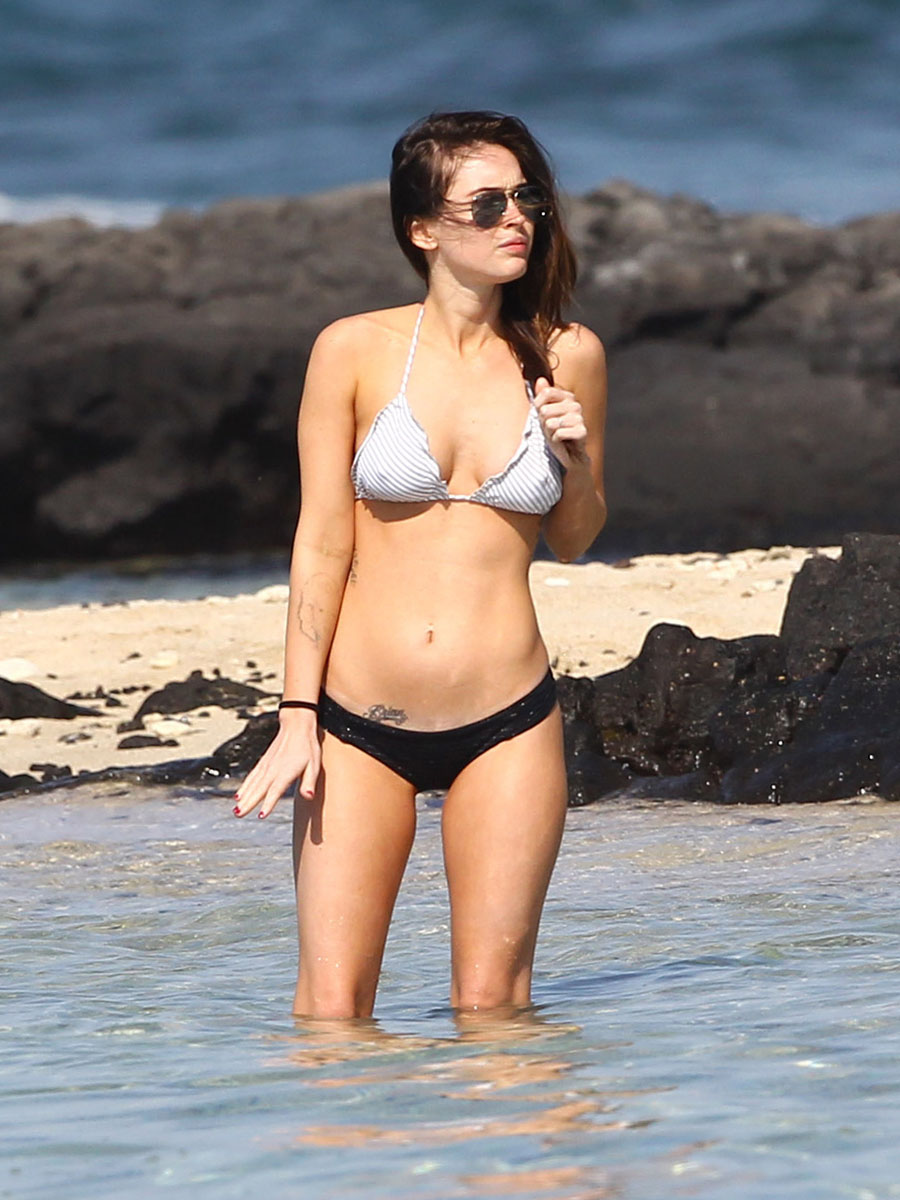 megan-fox-bikini-candids-in-hawaii-adds-27