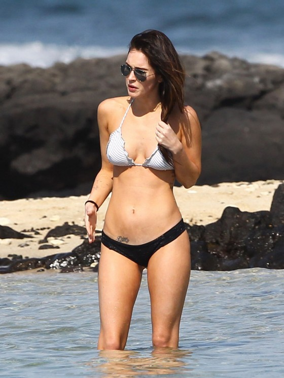 megan-fox-bikini-candids-in-hawaii-adds-44