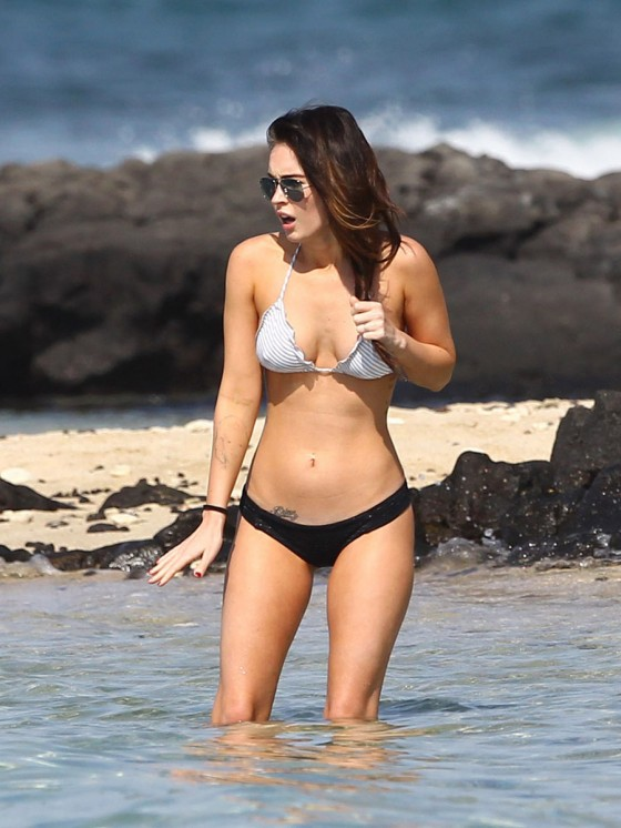 megan-fox-bikini-candids-in-hawaii-adds-45