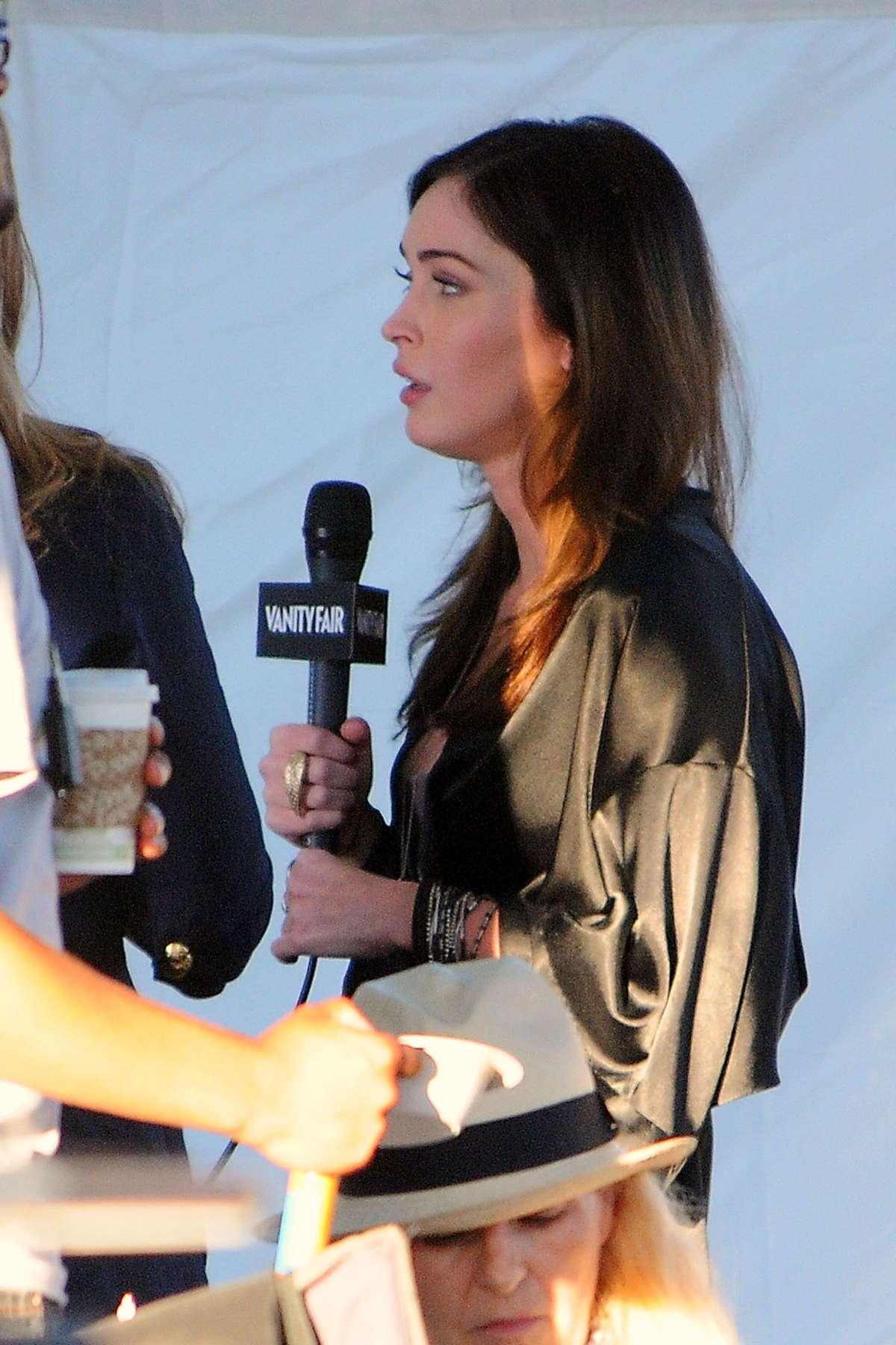 Megan Fox In Tight Short Mini Dress On Set Of This Is