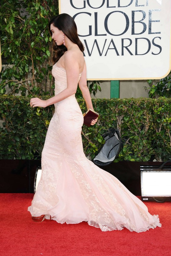 Megan Fox at 2013 Golden Globe Awards-05