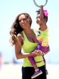 melanie-brown-tight-candids-at-the-beach-in-santa-monica-15