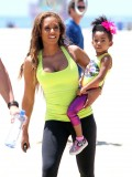 melanie-brown-tight-candids-at-the-beach-in-santa-monica-21