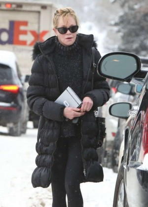 Melanie Griffith in Black Spndex out in Aspen