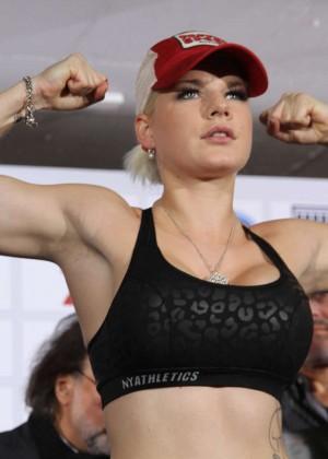 Melanie Mueller Vs Jordan Carver: UFC Boxing Match -06