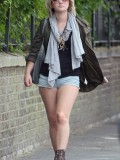 melissa-suffield-short-shorts-candids-starbucks-london-10