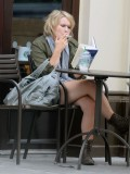 melissa-suffield-short-shorts-candids-starbucks-london-18
