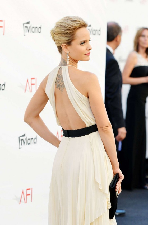 Mena Suvari - Show her tattoo at 2012 AFI Life Achievement Award Honoring Shirley MacLaine