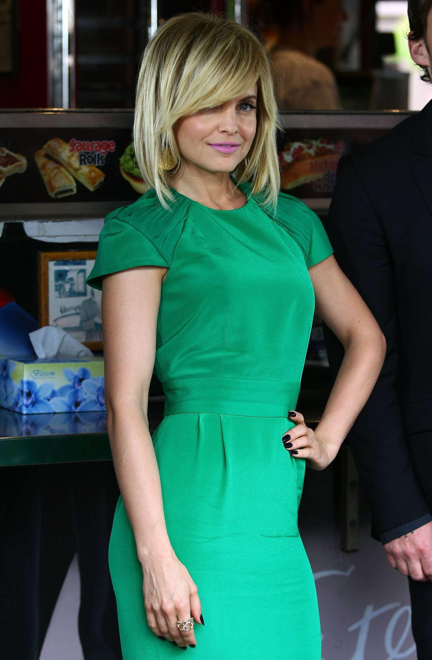Mena Suvari Wear Hot Short Dress At American Pie Reunion