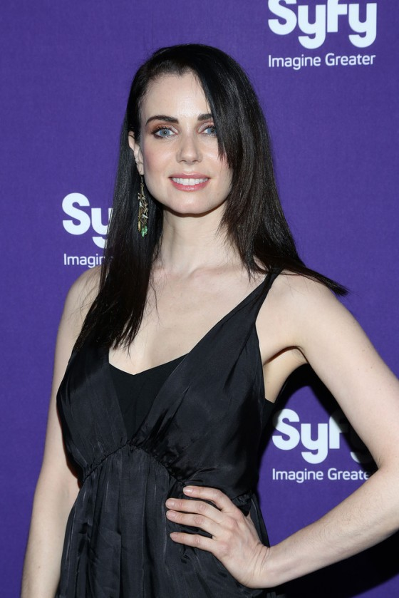 Mia-Kirshner-at-The-Syfy-2013-Upfronts--