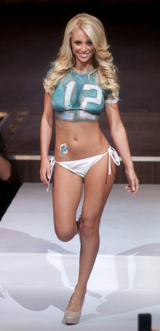 Miami Dolphins Cheerleader 2013 Fashion Show -18