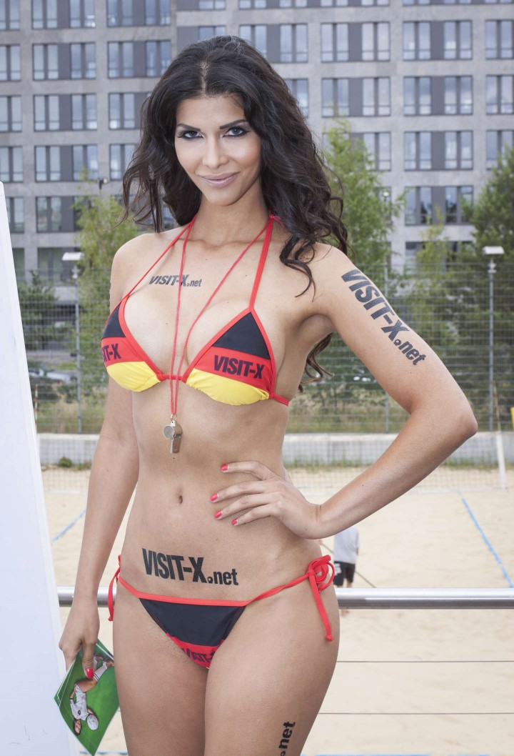 Micaela Schaefer: SexySoccer 2014 -09