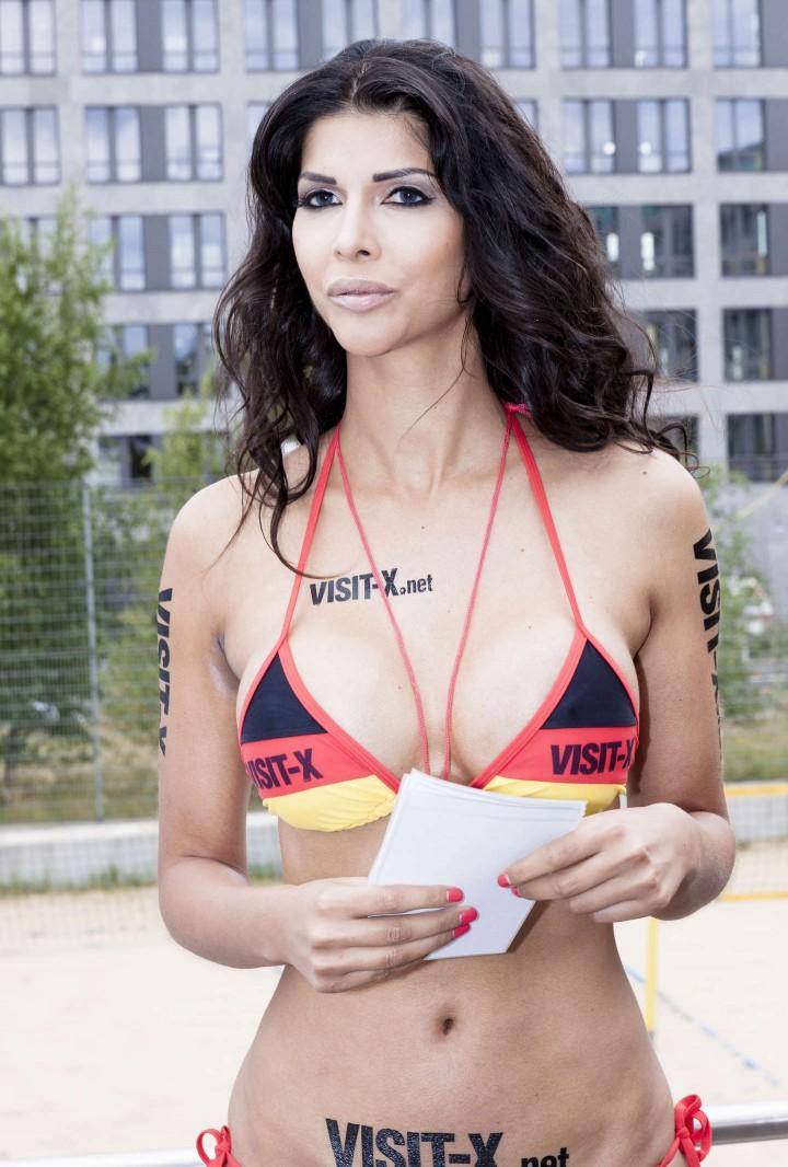 Micaela Schaefer: SexySoccer 2014 -12