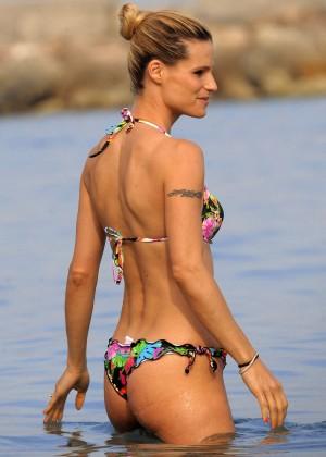 Michelle Hunziker in bikini -04