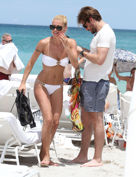 Michelle Hunziker Hot bikini candids in Miami-26